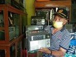 berawal-dari-hobi-warga-jatinom-klaten-ini-kumpulkan-ratusan-radio-jadul-paling-tua-lansiran-1960.jpg