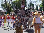 berbagai-penampilan-dari-peserta-pada-karnaval-dan-kirab-budaya-kemerdekaan-ri_20180826_201657.jpg
