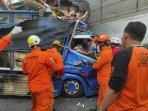 breaking-news-laka-di-ringroad-selatan-yogyakarta-sopir-terjepit-badan-truk-berhasil-diselamatkan.jpg