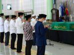 breaking-news-tiba-di-kampus-uii-yogyakarta-presiden-jokowi-salatkan-jenazah-artidjoalkostar.jpg
