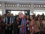 bupati-klaten-sri-mulyani-menghadiri-perayaan-natal-jajaran-dinas-pendidikan-kabupaten-klaten.jpg