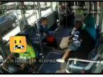 capture-rekaman-cctv-kecelakaan-bus-transjogja-tabrak-pemotor.jpg
