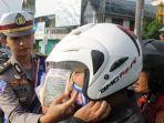 cara-cek-helm-standar-sni_20180211_152220.jpg
