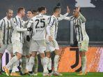 cristiano-ronaldo-dan-danilo-merayakan-gol-bunuh-diri-di-liga-italai-serie-a-juventus-vs-roma.jpg
