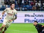davide-calabria-mencetak-gol-di-liga-italia-serie-a-atalanta-vs-ac-milan-di-stadion-gewiss.jpg
