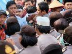 demo-mahasiswa-di-pekanbaru_20180925_154408.jpg