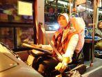dewi-sukmawati-driver-perempuan-pertama-di-trans-jogja_20171120_110747.jpg