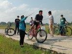 gerakan-clean-up-yang-diinisiasi-oleh-moana-bike-tour.jpg