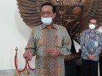 gubernur-di-yogyakarta-minta-bantuan-kredit-lunak-untuk-kelompok-pengelola-air-bendungan-kamijoro.jpg