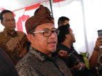 gubernur-jawa-barat-ahmad-heryanto_20171003_153946.jpg