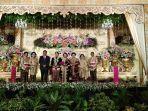 gubernur-sulawesi-utara-dan-mempelai-beserta-keluarga-saat-pesta-pernikahan.jpg