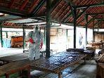 gugus-tugas-penanganan-covid-19-kabupaten-kulon-progo-melakukan-penyemprotan-desinfektan.jpg