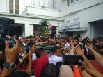 hadiri-temu-nasional-seribu-organisasi-perempuan-indonesia-jokowi-jadi-rebutan-selfie_20180914_183044.jpg