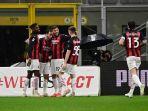 hakan-calhanoglu-selebrasi-di-liga-italia-serie-a-ac-milan-vs-benevento-di-stadion-1-mei-2021.jpg
