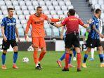 handanovic-protes-wasit-atas-keputusan-penalti-bagi-juventus-liga-italia-serie-a-juventus-vs-inter.jpg