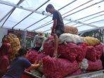 hasil-panen-ubi-jalar-para-petani-di-desa-windusari-yang-akan-disortir.jpg