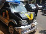 hilang-kendali-mobil-polisi-di-malang-seruduk-10-motor-dan-baru-berhenti-setelah-tabrak-ambulans.jpg