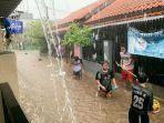 hujan-deras-guyur-wilayah-jakarta-pada-kamis-sore-sejumlah-wilayah-kembali-kebanjiran.jpg
