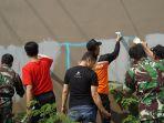 hyatt-regency-inisiasi-gerakan-lawan-vandalisme-bersihkan-coretan-di-sepanjang-jalan-palagan_20180925_221451.jpg