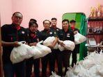 indonesian-chef-association-ica-diy-salurkan-bantuan-paket-sembako-sebagai-aksi-peduli-covid-19.jpg