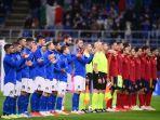 italia-1-2-spanyol-gianluigi-donnarumma-dicemooh-publik-san-siro-sepanjang-pertandingan.jpg