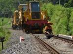 jalur-rel-kereta-api_1408.jpg
