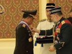 kapolri-terima-penghargaan-dari-raja-malaysia_20171210_190320.jpg
