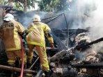 kebakaran-melanda-sebuah-rumah-damkar-klaten-terjunkan-2-unit-mobil-untuk-padamkan-api.jpg