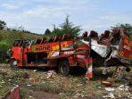 kecelakaan-maut-di-kenya-50-penumpang-dikabarkan-tewas_20181010_191617.jpg