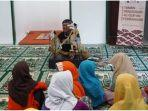 kegiatan-pkm-tpa-punakawan-saat-mengajarkan-ilmu-agama-kepada-anak-anak-di-masjid-at-taqwa.jpg