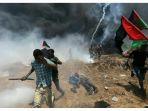 kejam-sniper-zionis-tembak-mati-puluhan-warga-palestina_20180515_081455.jpg