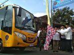 kementerian-perhubungan-serahkan-bantuan-bus-sekolah-ke-pondok-pesantren-di-magelang.jpg