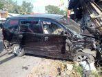 kendaraan-ringsek-akibat-kecelakaan-yang-terjadi-di-jalan-magelang-km-17.jpg