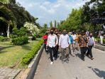 ketua-dprd-kabupaten-magelang-saryan-adiyanto-mendatangi-pengunjuk-rasa.jpg