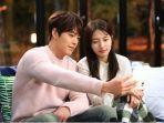 kim-woo-bin-dan-suzy-dalam-dramanya-uncontrollably-fond.jpg