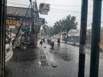 kondisi-hujan-di-jalan-suryotomo-yogyakarta-rabu-1032021.jpg