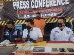 konferensi-pers-di-mapolres-sleman-selasa-2482021-lalu.jpg