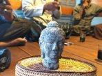 kronologi-viral-di-media-sosial-temuan-kepala-buddha-di-pamekasan.jpg