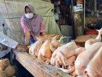 lapak-penjualan-daging-ayam-di-pasar-argosari-wonosari.jpg