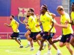 liga-champions-dembele-dan-griezmann-muncul-di-tempat-latihan-barcelona.jpg