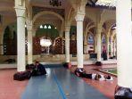 lokasi-pencurian-tas-jemaah-di-masjid_20180205_182419.jpg