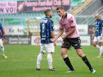 lorenzo-lucca-striker-klub-serie-b-pisa-disebut-menjadi-incaran-ac-milan.jpg