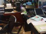 mantan-petinju-ngamuk-di-kantor-disdukcapil-banyuwangi-lempar-kursi-ke-pegawai-wanita.jpg