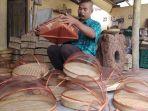 melihat-dekat-proses-kerajinan-tudung-saji-dari-bambu-di-mangunan-bantul_20180930_164707.jpg