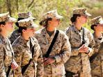 militer-wanita-amerika-serikat_20180311_185046.jpg