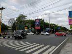 minggu-siang-lalu-lintas-di-simpang-upn-ramai-lancar_20181104_113739.jpg