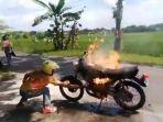 motor-terbakar_1_20170503_143357.jpg