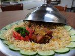 nasi-mandhi-dengan-lauk-daging-kambing-muda-oven_20180824_190056.jpg