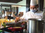 nikmati-live-cooking-di-food-market-by-androwino-di-sheraton-mustika-yogyakarta-resort-spa.jpg