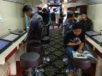 nikmati-pengalaman-bersantai-sambil-menambah-ilmu-di-kereta-rail-library_20180712_162906.jpg